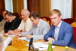 Валерій Лунченко: В області з дня на день розпочнеться ямковий ремонт доріг державного значення